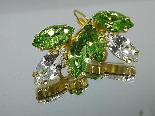 ירוק בהיר, לבן קריסטל וירוק בהיר.  אבני; סברובסקי. מתנה לכלה, עגילי עלים, Model # 438