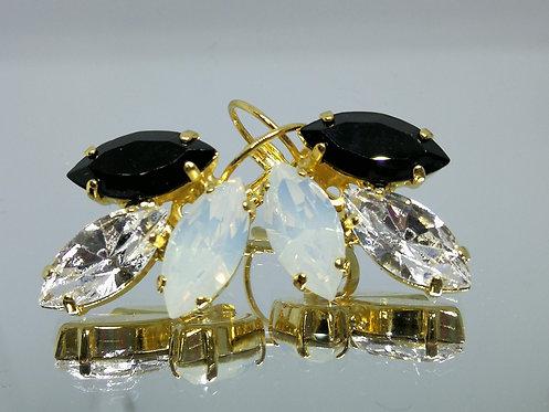 Model # 428 שחור ג'ט , קריסטל, פנינה  אבנים: סברובסקי  מתנה בשבילה, מתנה לכלה, עגילי עלים