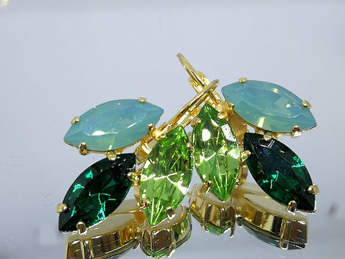 Model # 415 פסיפיק אופל,ירוק אזמרגד, ירוק דשא  אבנים: סברובסקי  מתנה בשבילה, מתנה לכלה, עגילי עלים,