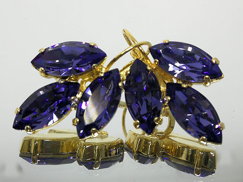 סגול לבנדר כהה  אבנים: סברובסקי.  מתנה בשבילה, מתנה לכלה, עגילי עלים, Model # 436