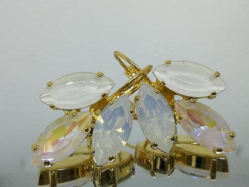 Model # 419 לבן משולב  אבנים: קריסטלים שונים.  מתנה בשבילה, מתנה לכלה, עגילי עלים, עגילי טיפה,