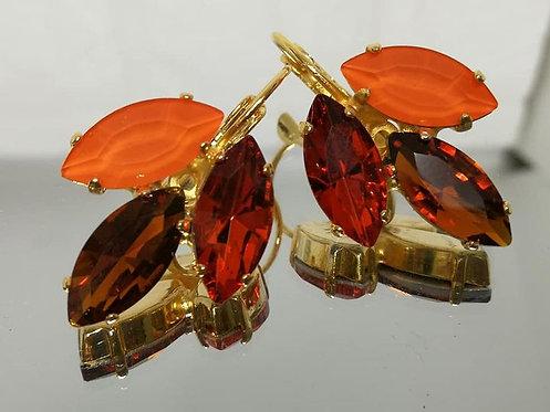 מצופים ב-זהב - נטול ניקל כתום, חום, כתום שקוף.  אבנים: קריסטלים שונים. Model # 581