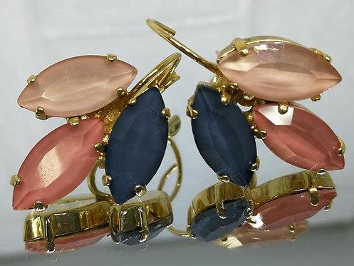 # Model 714  שמפניה, אפרסק, אפור.  אבנים: קריסטל אקוורל.  מתנה בשבילה, מתנה לכלה, עגילי עלים
