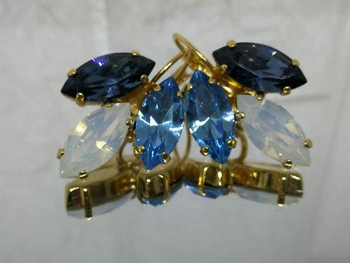 .כחול ג'ינס, לבן פנינה, תכלת  אבנים: סברובסקי Model # 585 עגילים בתליה, עגילי טיפה