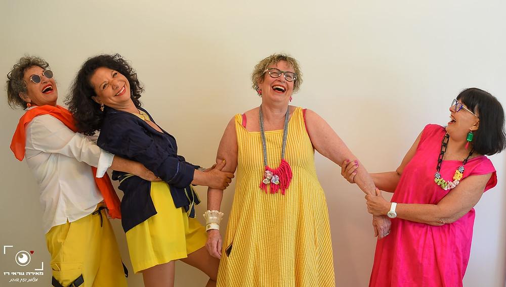חגית, דליה מיקה ואני בהפקת אופנה צילום מאירה גוראי רז