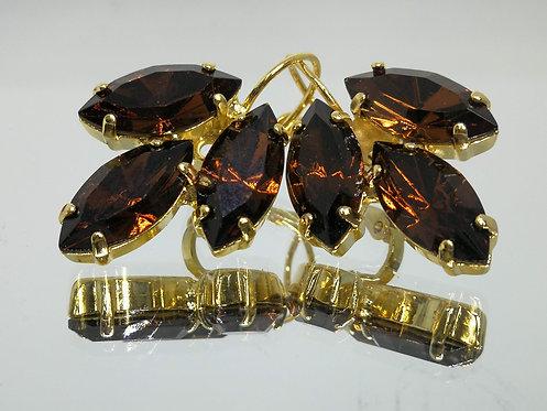 חום שוקולד  אבנים: סברובסקי.  מתנה בשבילה, מתנה לכלה, עגילי עלים, Model # 435