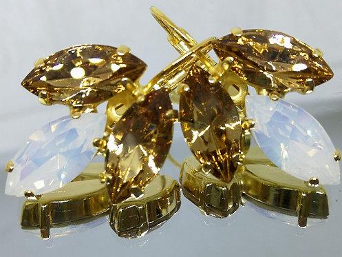 Model # 571 טופז, פנינה, טופז.  אבנים: סברובסקי  עגילי סברובסקי, מתנה בשבילה, מתנה לכלה, עגילי עלים,