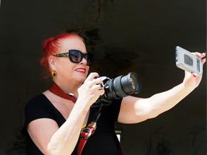 אירית מארחת את הצלמת מאירה גוראי רז.