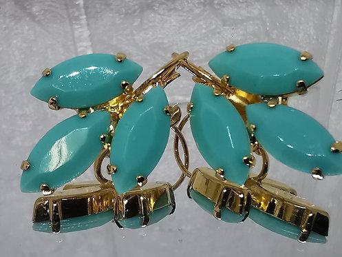 #Model 766 טורקיז ירקרק.  אבנים: אקריל.  מתנה בשבילה, מתנה לכלה, עגילי עלים