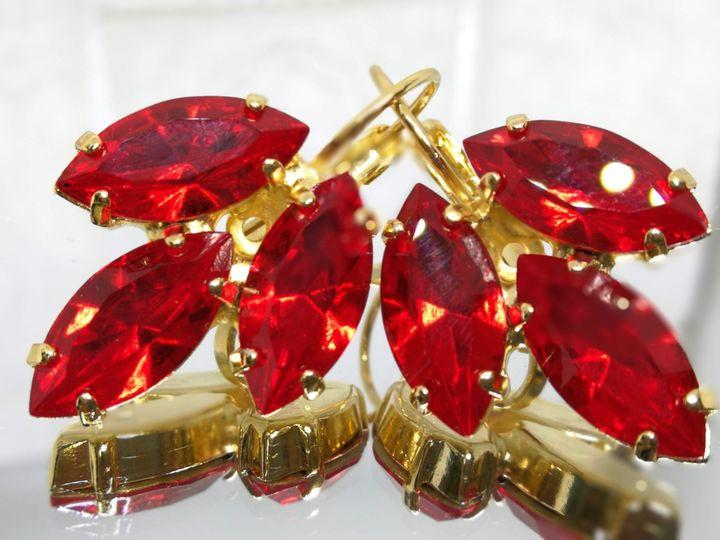 אדום סיאם סברובסקי בעגילים צמצופים זהב