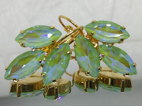 ירוק בהיר  אבנים: קריסטל הזוהר הצפוני  מתנה בשבילה, עגילי דמעה, Model # 532