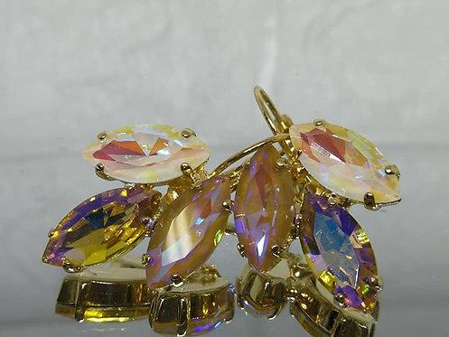 Model # 490 לבן, זהב, חום בהיר.  אבנים: קריסטלים שונים.  מתנה בשבילה, עגילי דמעה,  מתנה לכלה, עגילי עלים,