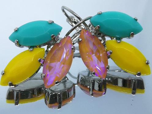 Model # 614 טורקיז, צהוב חרדל, לוטוס.  אבנים: אקריל , קריסטל הזוהר הצפוני.  מתנה בשבילה, עגילי דמעה,