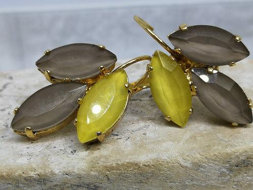 # Model 716 טופז וצהוב חרדלי  אבנים: קריסטל אקוורלים.  מתנה בשבילה, מתנה לכלה, עגילי עלים, עגילי טיפה,