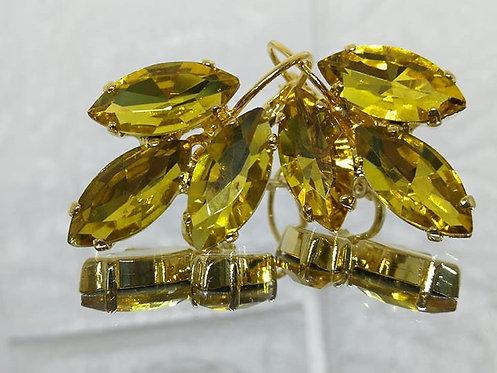 שמפניה צהובה .  אבנים: קריסטל.  מתנה בשבילה, עגילי דמעה, Model # 505