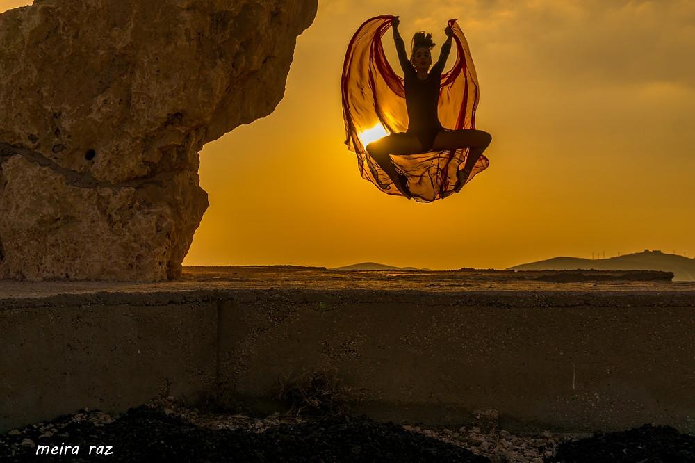 צילום אמנותי בים המלח של מאירה גוראי רז