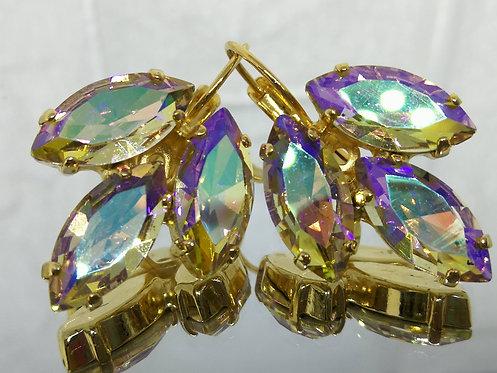 # Model 597  זהב מתחלף  אבנים: קריסטל AB  מתנה בשבילה, מתנה לכלה, עגילי עלים, עגילי טיפה,