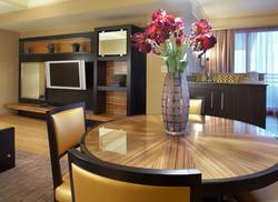 Showboat Suite 05