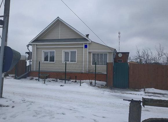 Дом рядом с городом