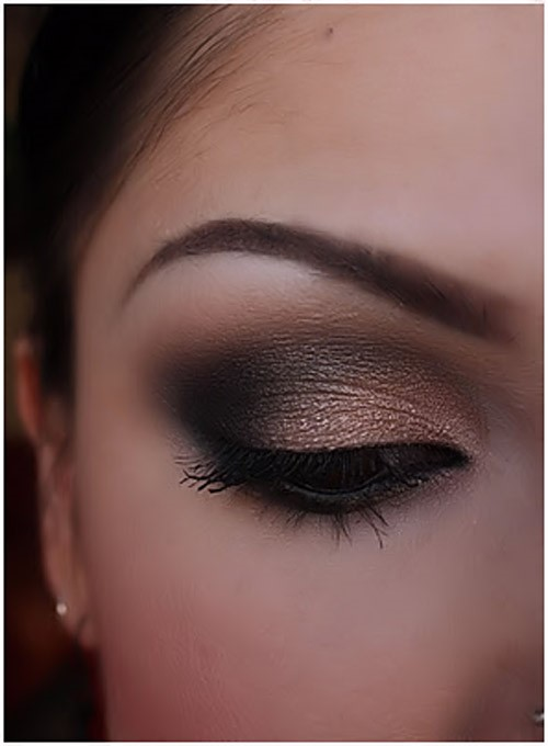Black & Bronze Eye Makeup: