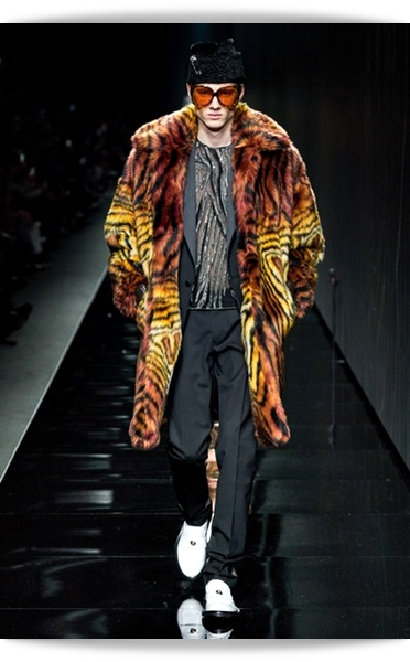 Versace-Fall 2020-033-Menswear.jpg