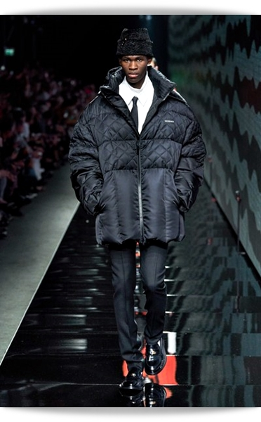 Versace-Fall 2020-021-Menswear.jpg