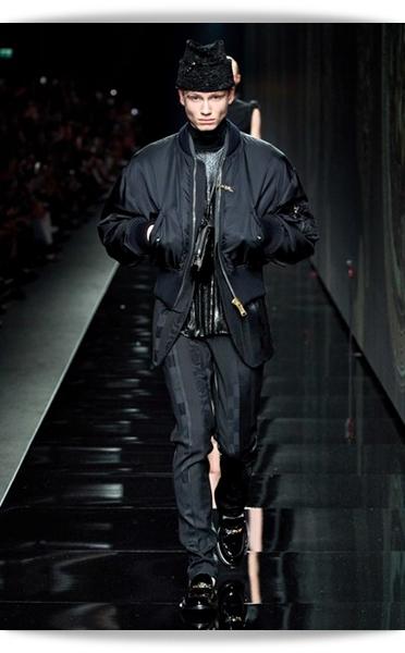Versace-Fall 2020-032-Menswear.jpg
