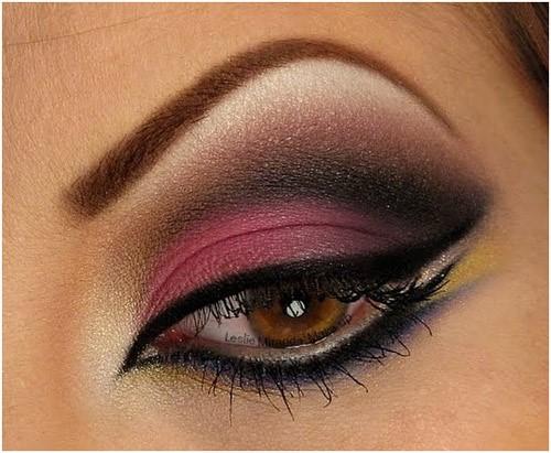 Hot Pink Smokey Eyes: