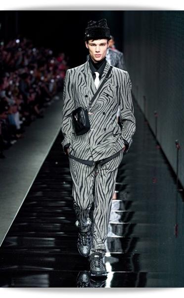 Versace-Fall 2020-013-Menswear.jpg