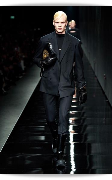 Versace-Fall 2020-002-Menswear.jpg
