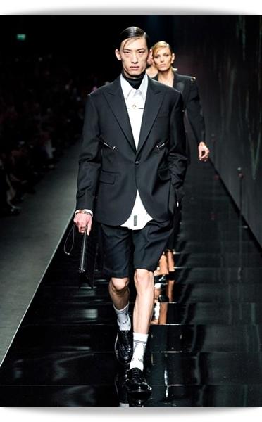 Versace-Fall 2020-026-Menswear.jpg