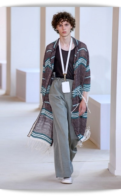Acne_Studios-Collection_Spring_2020-037-