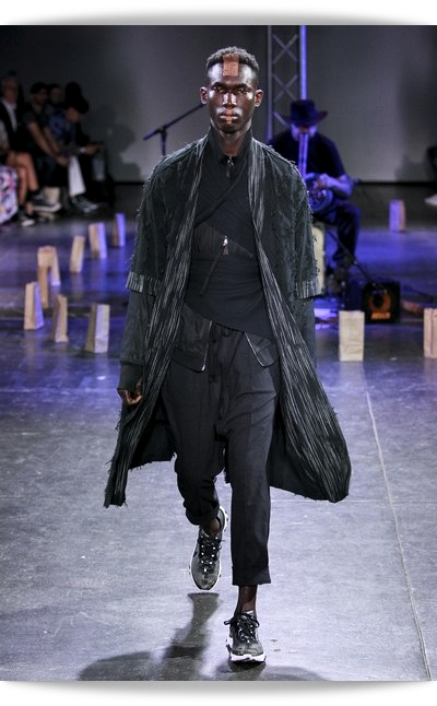 Abasi Rosborough-Spring 2019-001M magazi