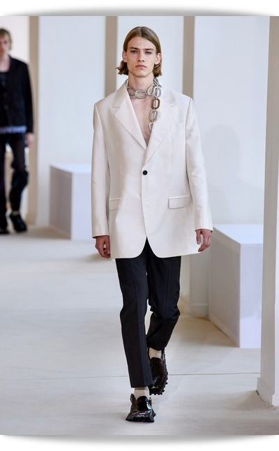 Acne_Studios-Collection_Spring_2020-026-