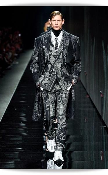 Versace-Fall 2020-031-Menswear.jpg