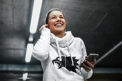 hoodie-mockup-of-a-jogging-woman-putting