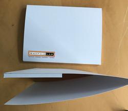 Landscaped capacity pocket folder