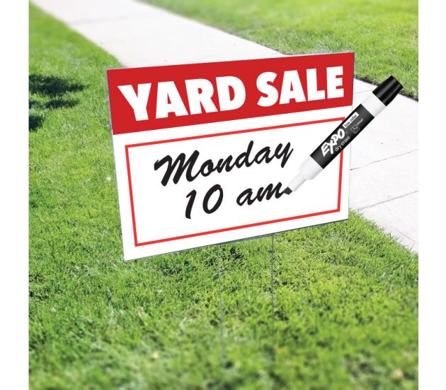 Coroplast yard sign with stakes