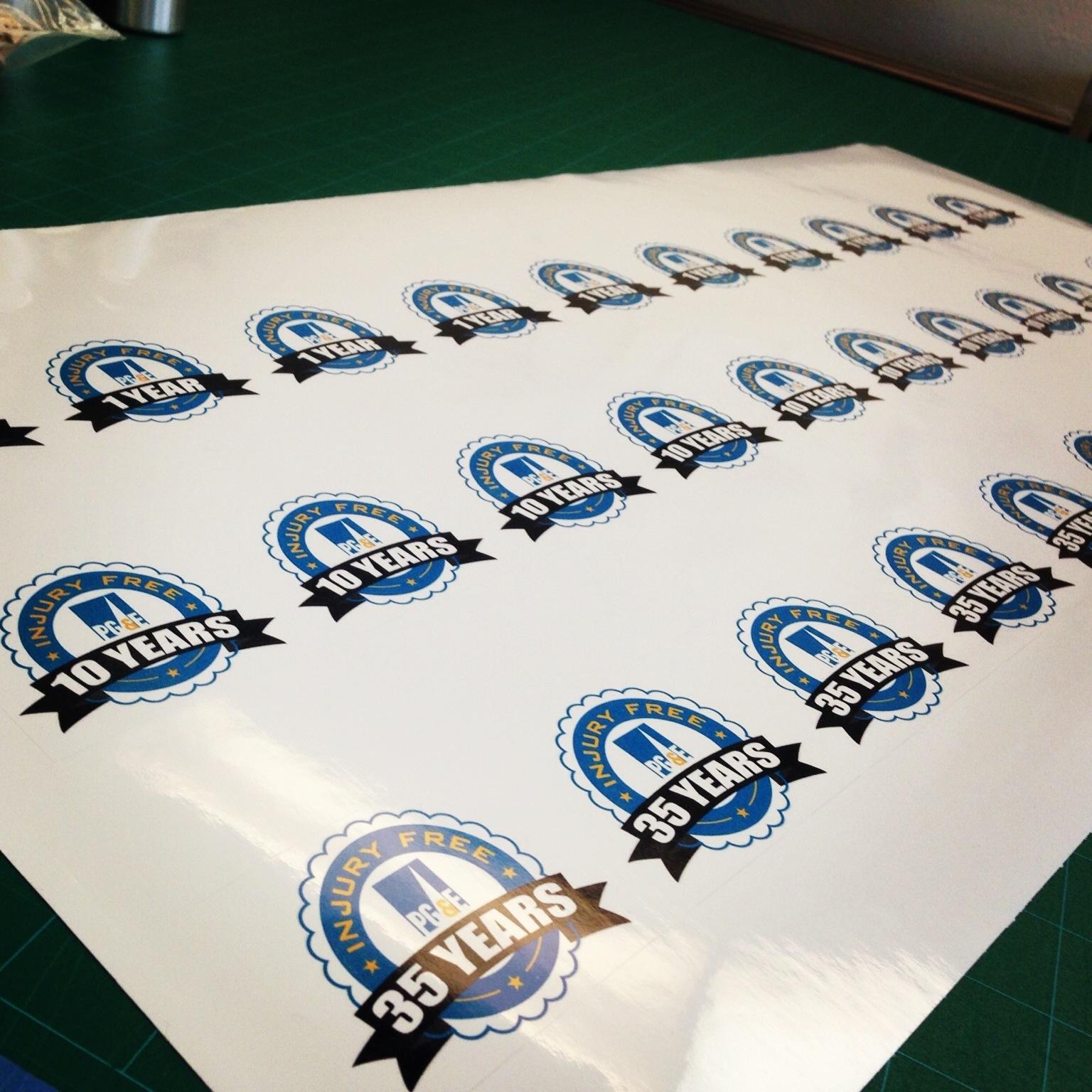 Waterproof die-cut roll stickers