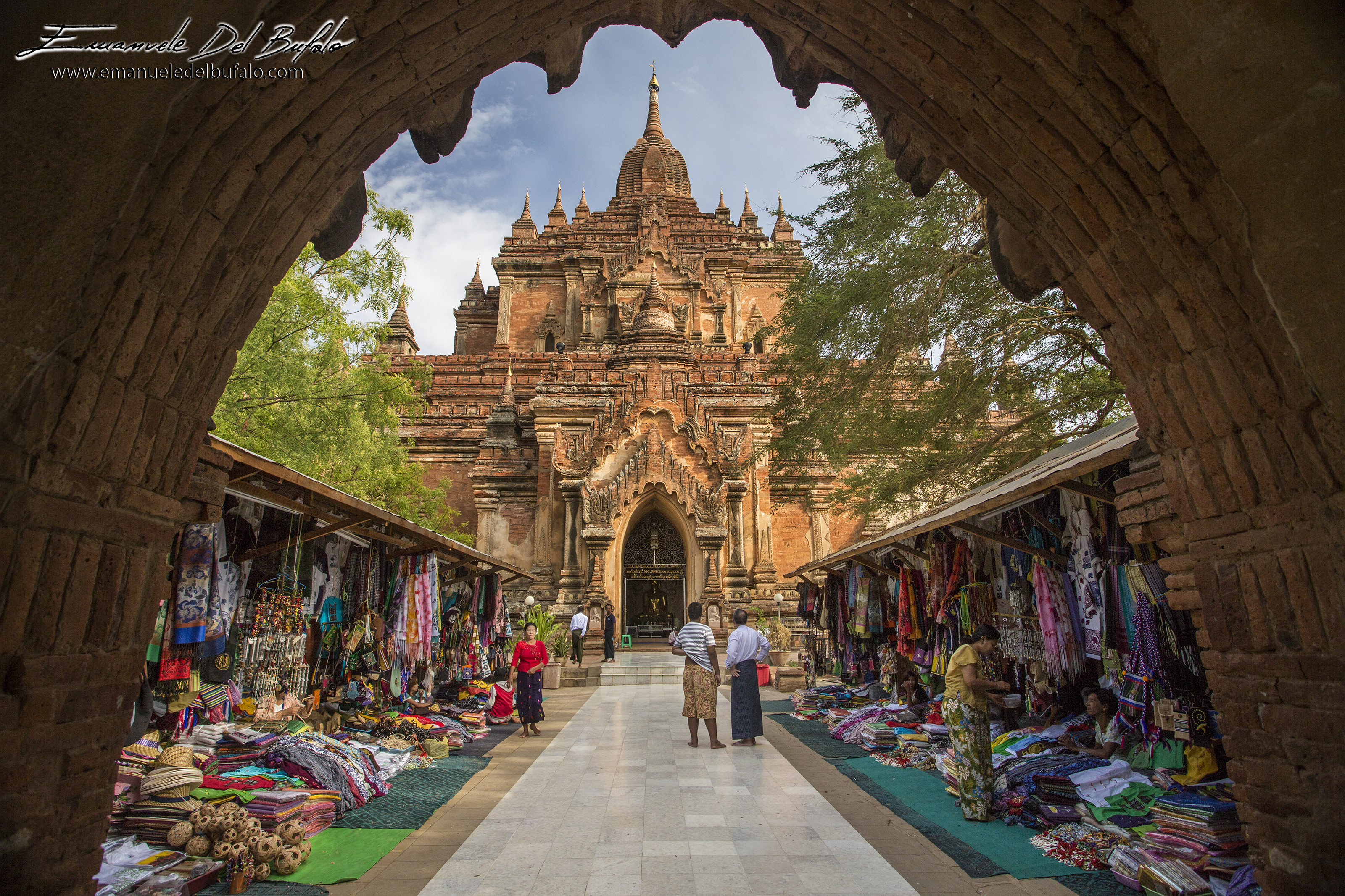 www.emanueledelbufalo.com #myanmar #burma #bagan #market #temple #the_long_term_traveler