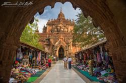 www.emanueledelbufalo.com #myanmar #burma #bagan #market #temple #the_long_term_traveler