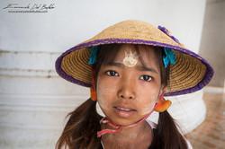www.emanueledelbufalo.com #myanmar #asia #girl #mingun #temple #portrait