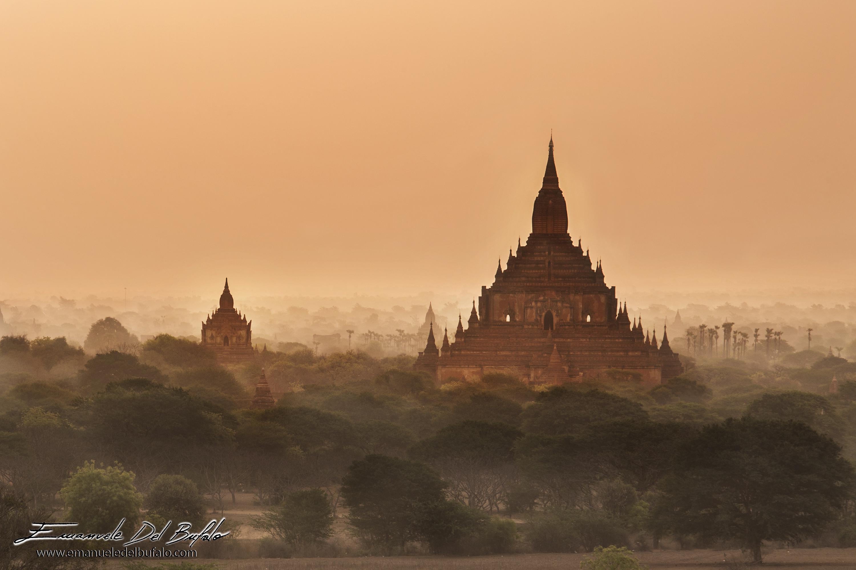 www.emanueledelbufalo.com #myanmar #bagan #burma #temple #sunrise
