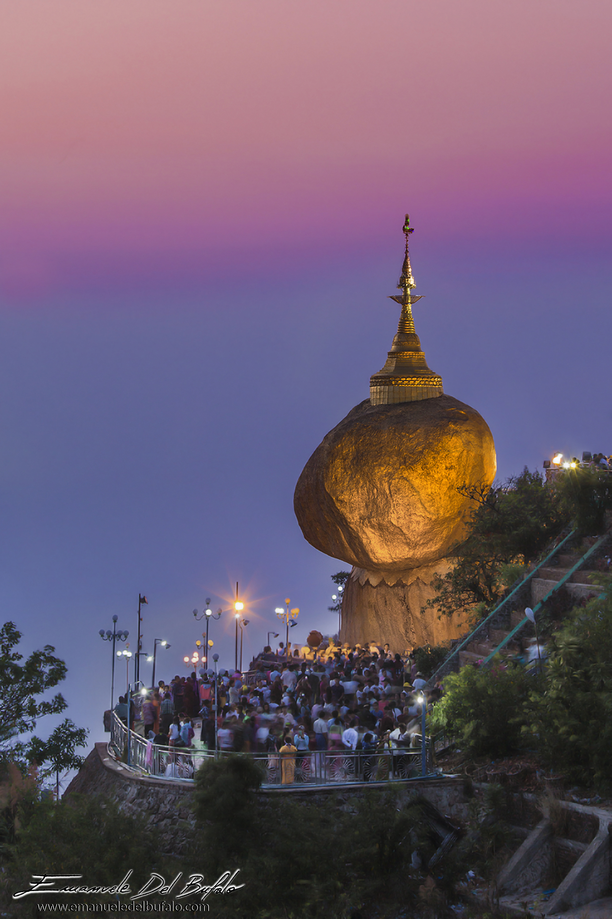www.emanueledelbufalo.com #myanmar #golder_rock #pagoda #mt.Kyaiktiyo #sunset #long_term_traveler