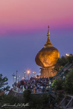 www.emanueledelbufalo.com #myanmar #golder_rock #pagoda #mt.Kyaiktiyo #sunset #long_term_traveler