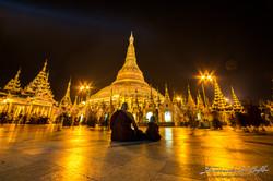 www.emanueledelbufalo.com #myanmar #burma #yangon #Shwedagon_Pagoda #gold #monk