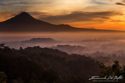 www.emanueledelbufalo.com #java #borodudur #merapi #indonesia #vulcano #sunrise.