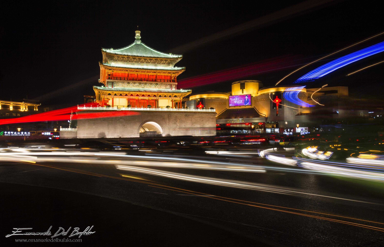 www.emanueledelbufalo.com #xian #china #citycenter #night #longexposure #lights #traffic #travel #st