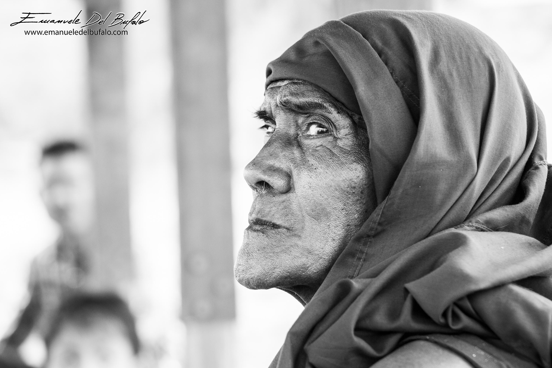 www.emanueledelbufalo.com #myanmar #burma #amarapura #mandalay #monk #B&W #people
