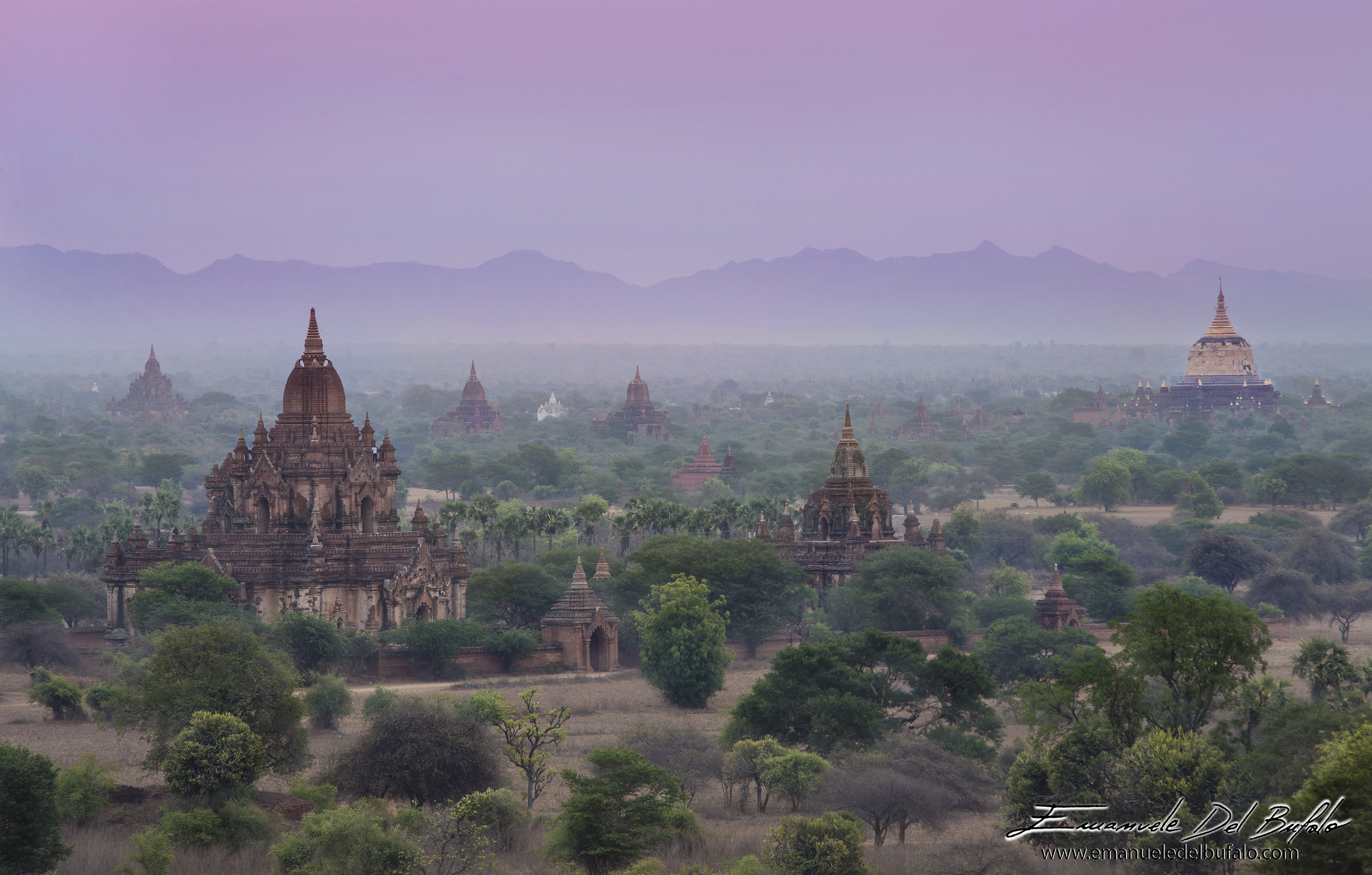 www.emanueledelbufalo.com #myanmar #burma #bagan #temple #sunrise #pagoda #the_long_term_traveler